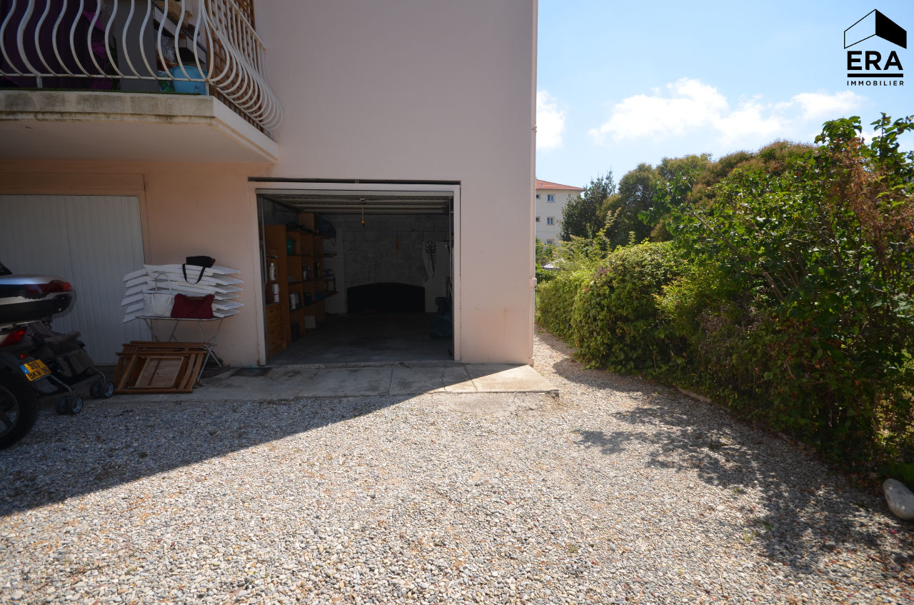 Parking / box Juan Les Pins 16.62 m2